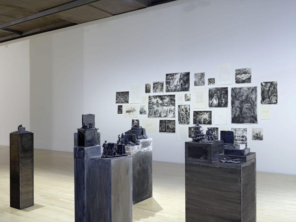 """Andreas Chwatal, Ausstellungsansicht """"FAVORITEN III: Neue Kunst aus München"""" Foto: Städtische Galerie im Lenbachhaus und Kunstbau, München, Courtesy der Künstler"""