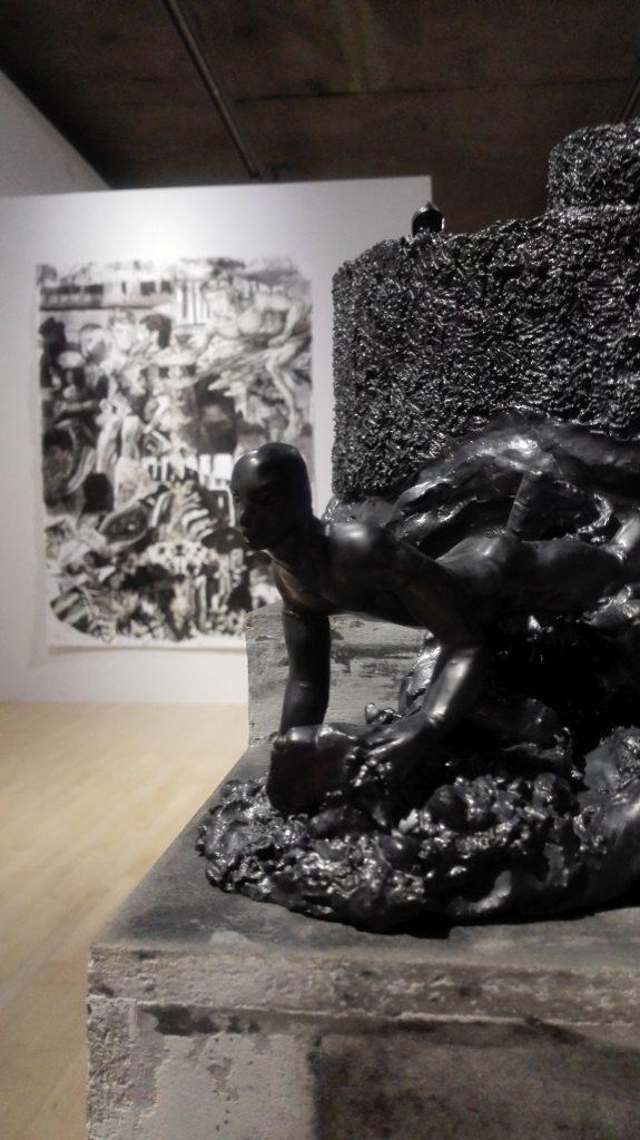 Andreas Chwatal, S11 Le chien / E20 Lieu de drague, 2015, Keramik, 21.2 x 14.4 x 10.1 cm
